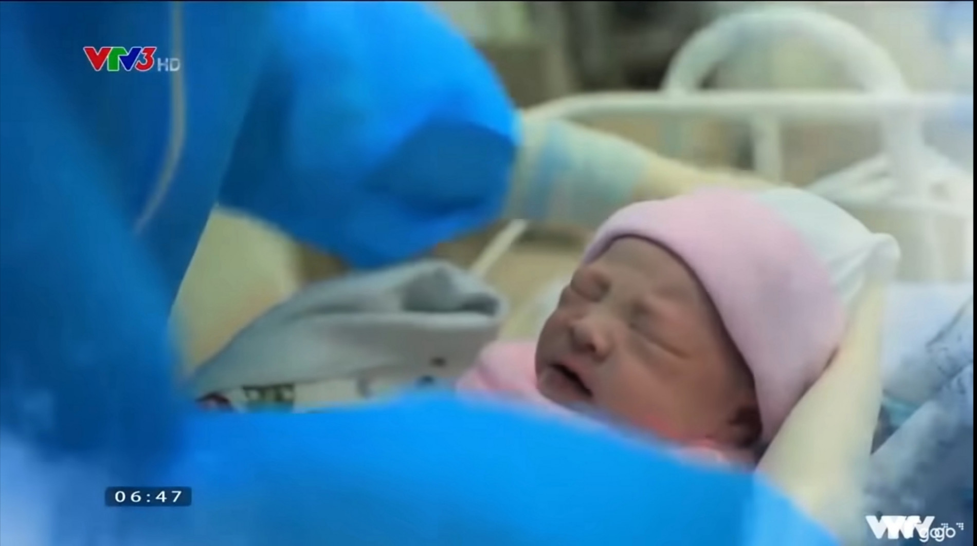ngay con chao doi 0 1632321856935811600885 Ngày con chào đời: Có những phút giây nước mắt không ngừng rơi vì... thương yêu