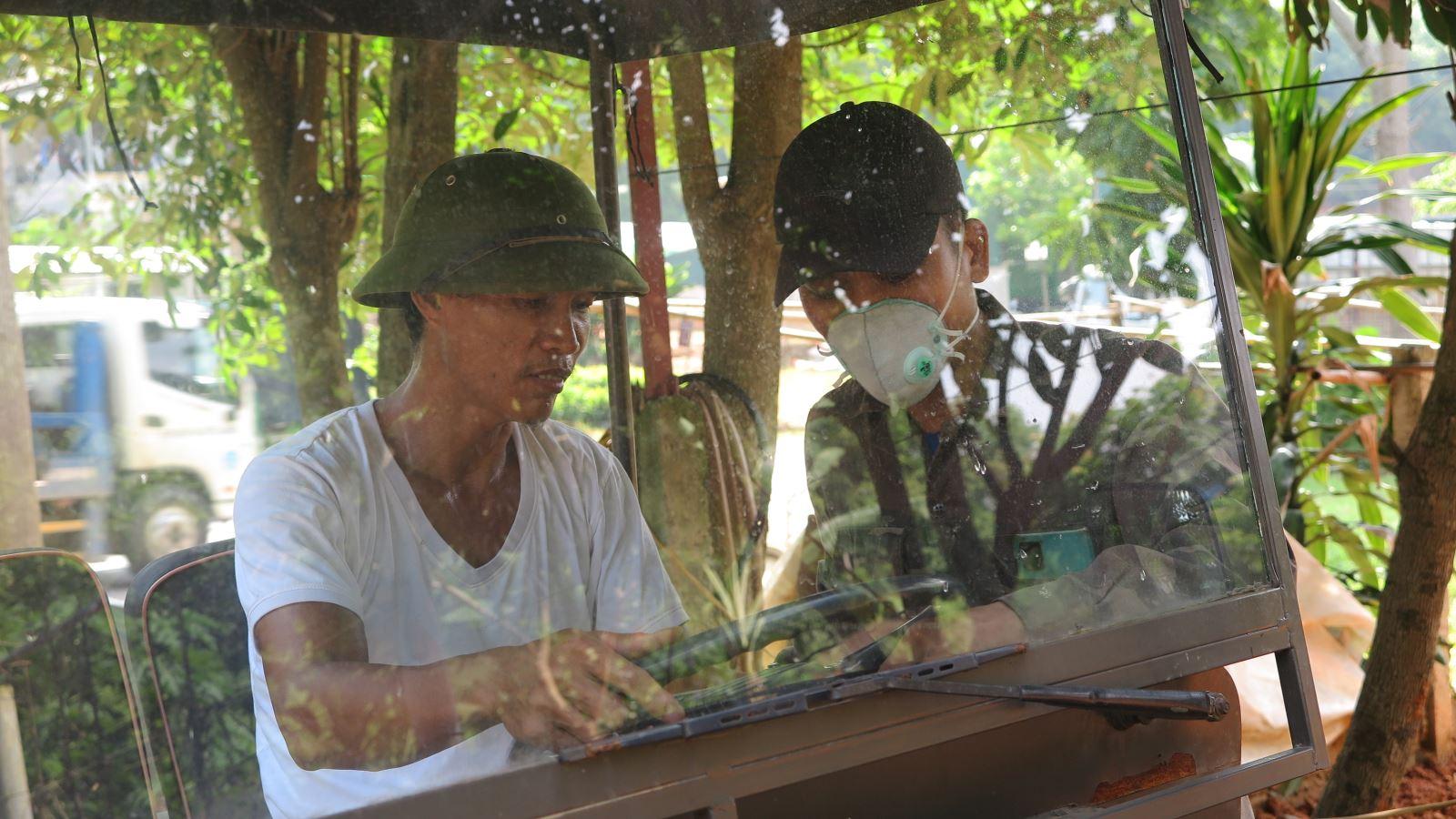 Phú Thọ: Trai làng 8X sáng chế ra xe jeep thùng rất ngầu, ai nhìn thấy cũng trầm trồ phục lăn - Ảnh 3.