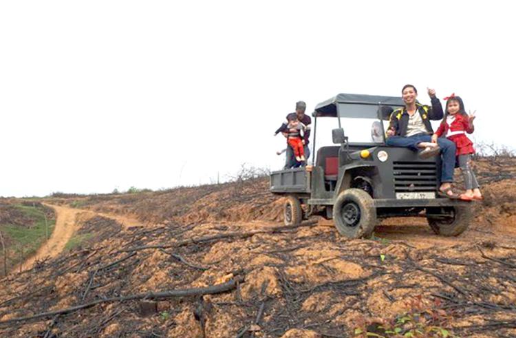 Phú Thọ: Trai làng 8X sáng chế ra xe jeep thùng rất ngầu, ai nhìn thấy cũng trầm trồ phục lăn - Ảnh 4.