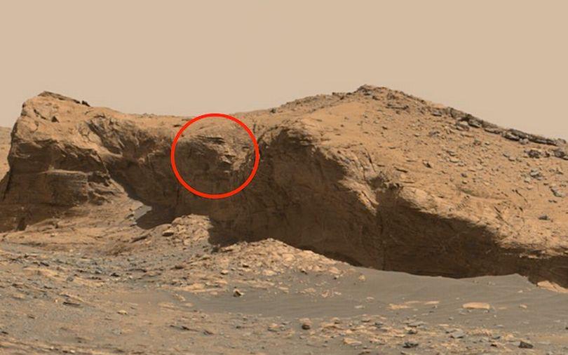 'Khuôn mặt người ngoài hành tinh 10.000 năm tuổi' được tìm thấy trên Sao Hỏa