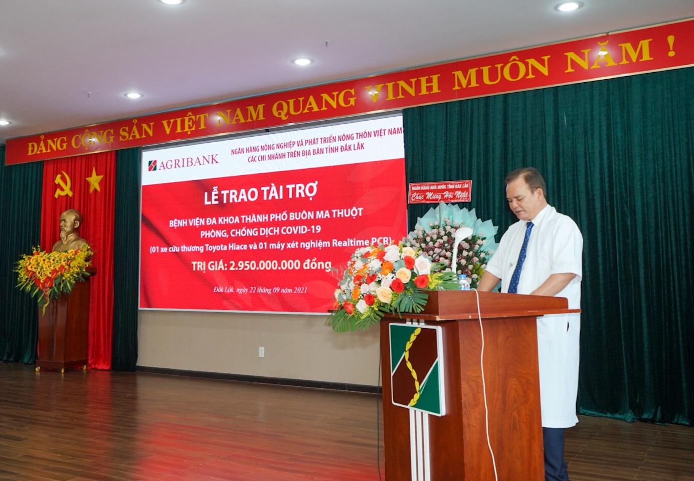 Các chi nhánh Agribank trên địa bàn tỉnh Đắk Lắk trao gói an sinh xã hội trị giá gần 3 tỷ đồng - Ảnh 4.