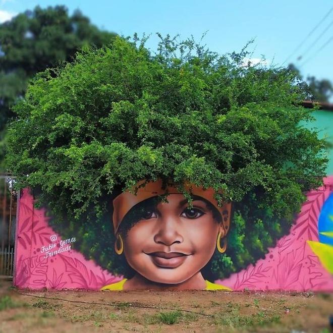 Bức tranh cô bé với mái tóc là giàn hoa giấy khổng lồ gây sốt mạng xã hội - Ảnh 6.
