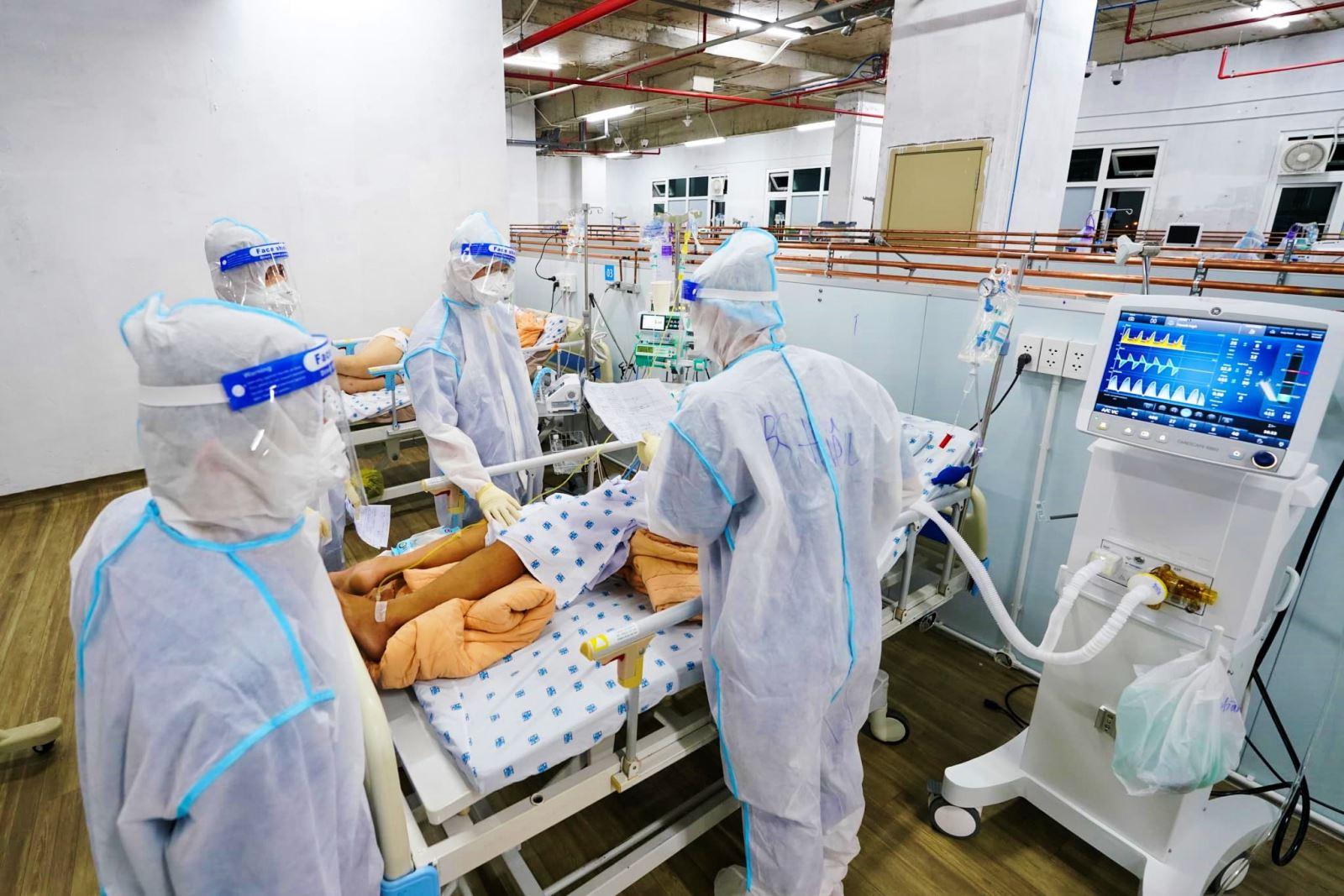 """Y tế tư nhân tham gia tuyến đầu chống dịch: (Bài cuối) Thành phố """"kêu"""" lên Thủ tướng, cố gắng giúp sức bệnh viện - Ảnh 3."""
