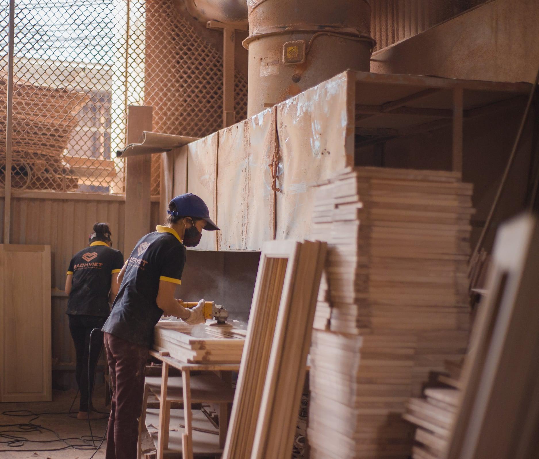 Làng nghề gỗ kêu khó - Ảnh 1.