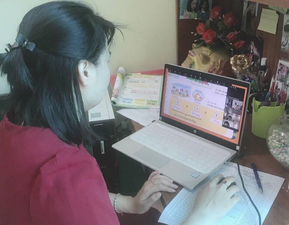 Cô giáo tiểu học bật mí mẹo giúp học sinh thích thú khi học trực tuyến ngày dịch - Ảnh 2.