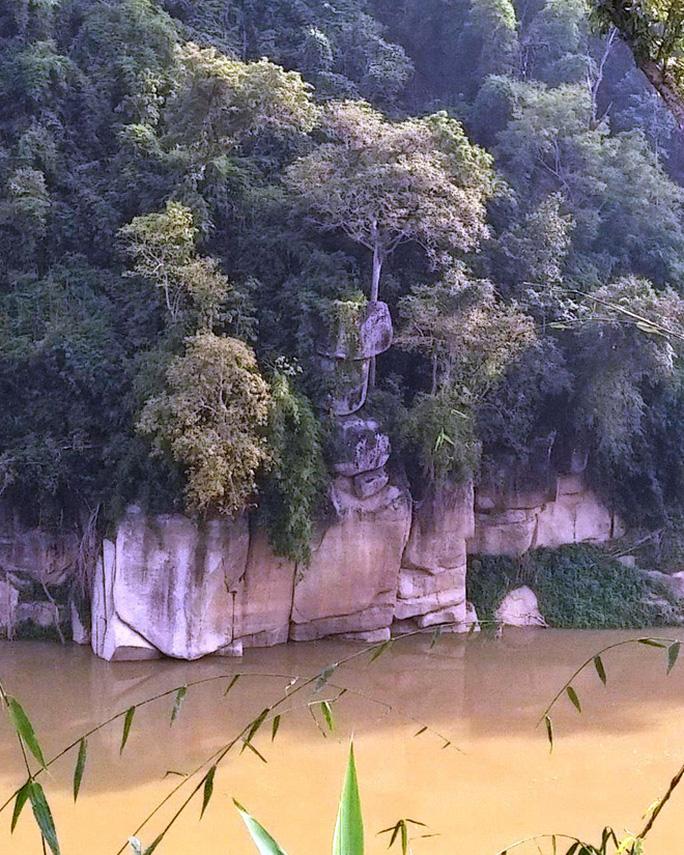 Lời nguyền khủng khiếp và sự thật về 3 tảng đá không ai dám đến gần ở Thanh Hóa