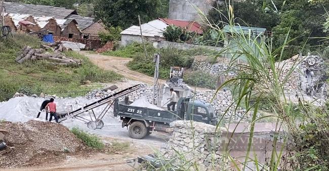 Bắt tạm giam một Phó trưởng Phòng Tài nguyên Môi trường ở Hà Giang liên quan đến khai thác đá - Ảnh 3.