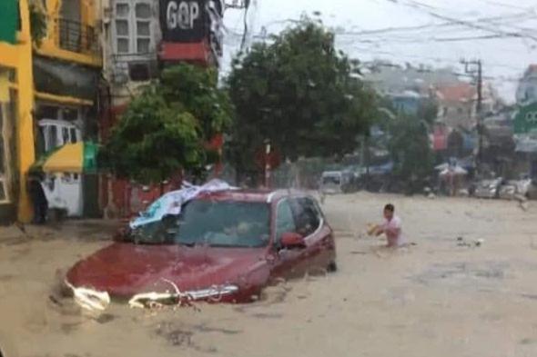 """ẢNH: Mưa lớn liên tục nhiều giờ """"nhấn chìm"""" TP.Cẩm Phả - Quảng Ninh trong biển nước - Ảnh 4."""