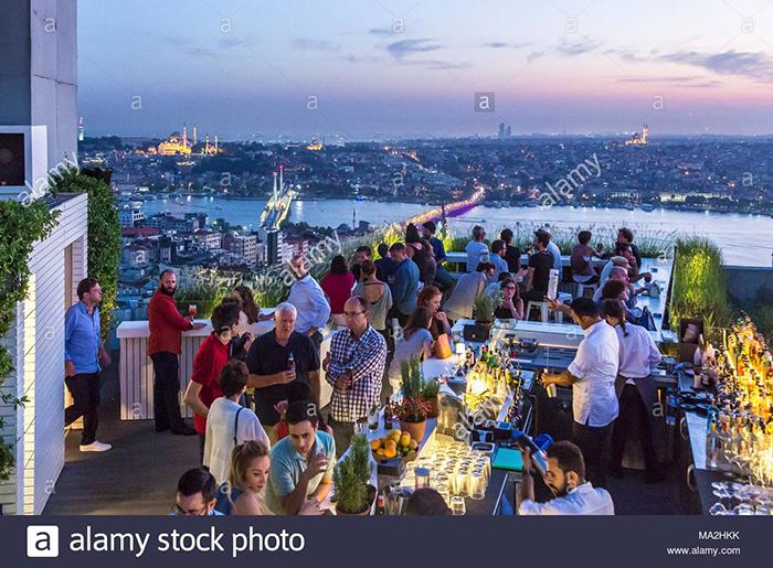 """Quy định """"độc lạ"""" của nhiều khách sạn Thổ Nhĩ Kỳ: Khách nam giới đi cùng phụ nữ mới được đặt phòng - Ảnh 6."""