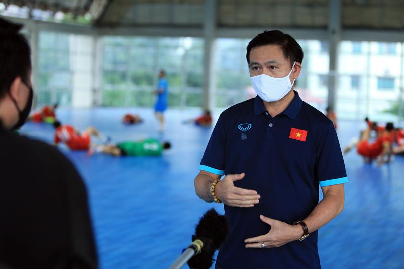 """Bầu Tú của ĐT futsal Việt Nam lý giải việc """"nhốt 2 hổ chung 1 chuồng"""" - Ảnh 2."""