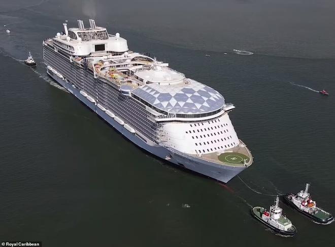 Đây là con tàu du lịch lớn nhất thế giới, có thể đón 7.000 khách cùng 2.300 thủy thủ đoàn - Ảnh 2.