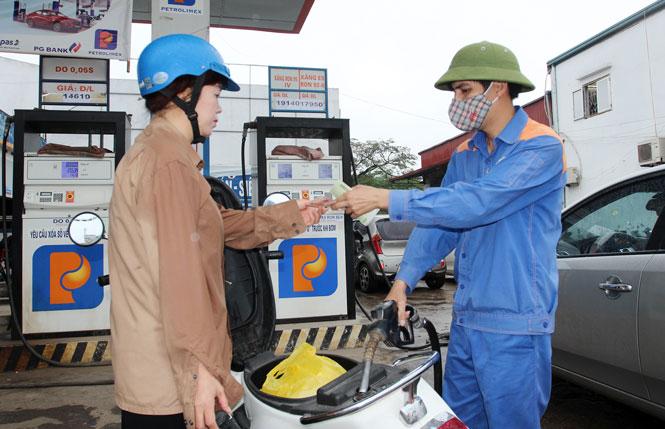 Giá xăng dầu đồng loạt tăng kể từ 15h chiều nay 25/9 - Ảnh 2.