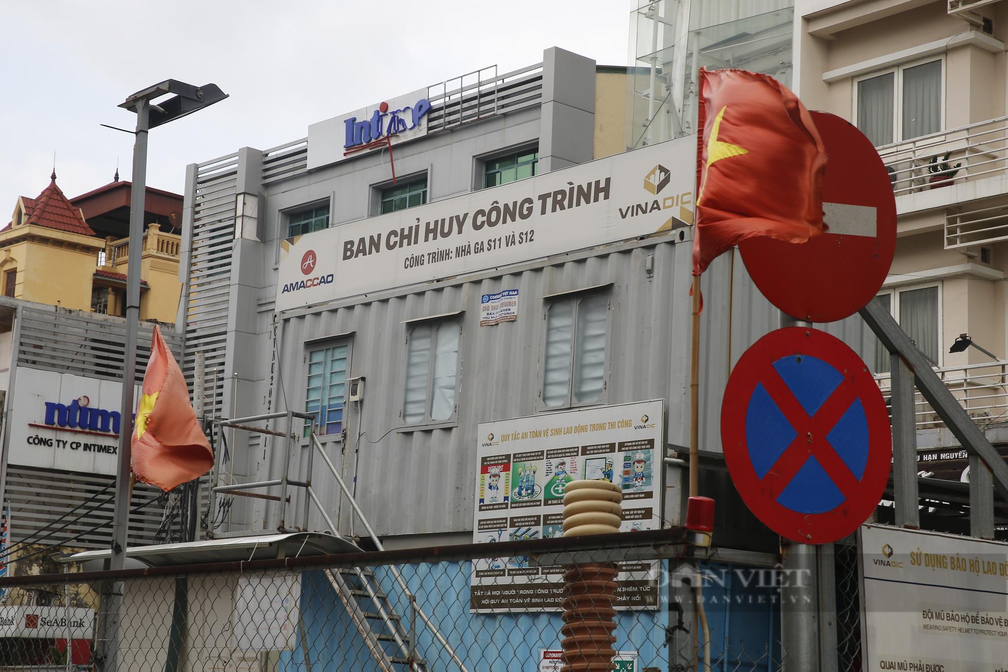 Cận cảnh khu vực ga ngầm tuyến Metro Nhổn - ga Hà Nội bị dừng thi công - Ảnh 2.
