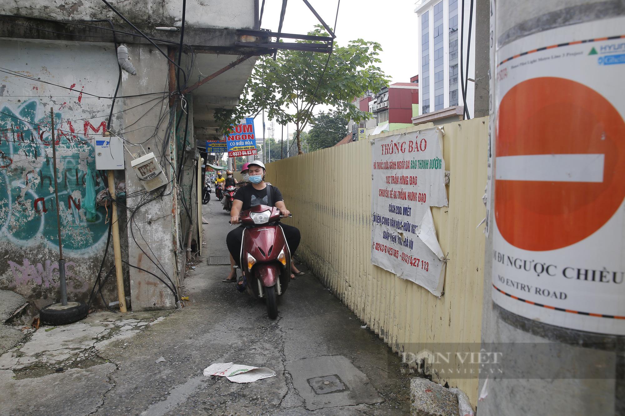 Cận cảnh khu vực ga ngầm tuyến Metro Nhổn - ga Hà Nội bị dừng thi công - Ảnh 4.