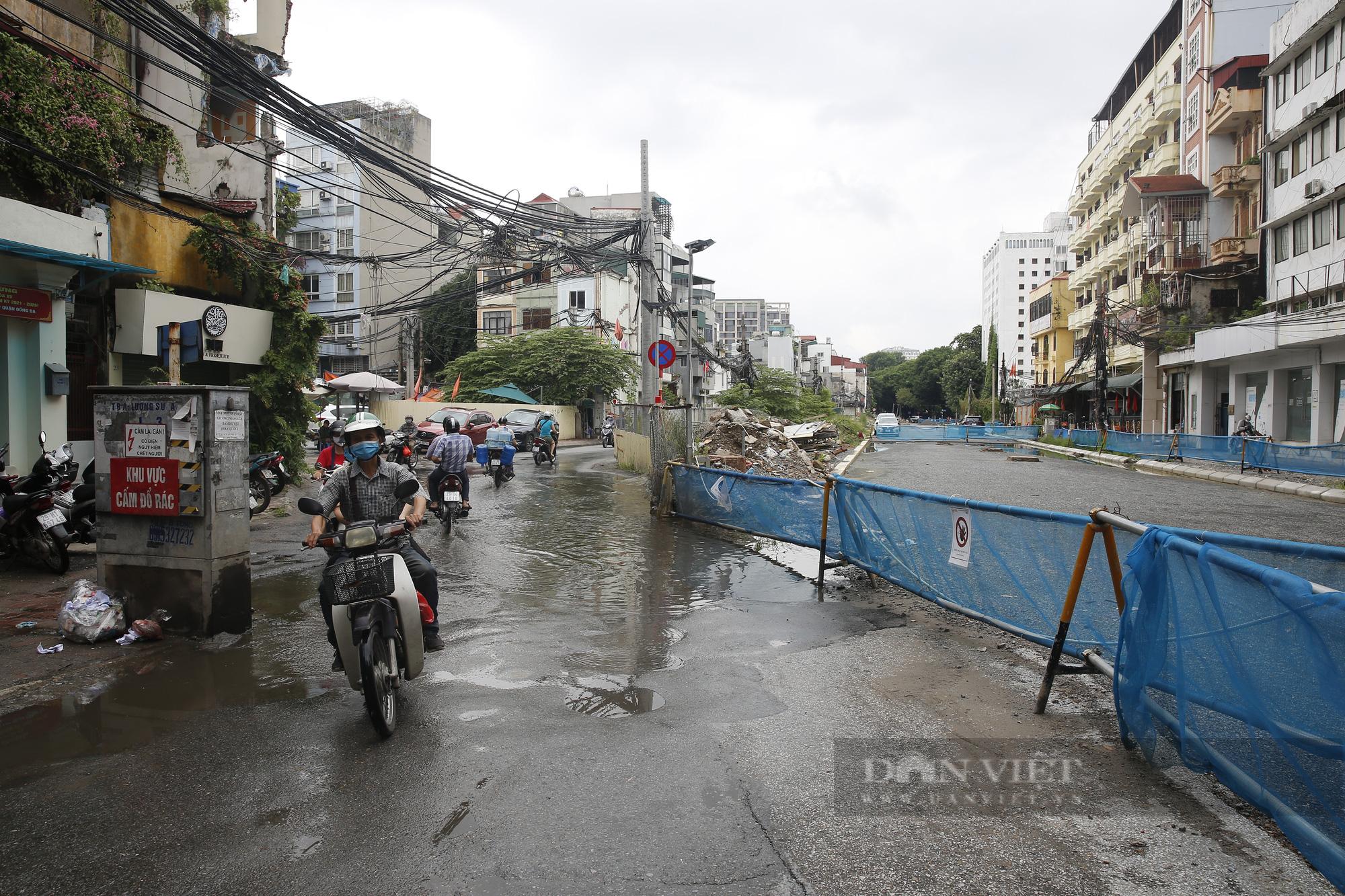 Cận cảnh khu vực ga ngầm tuyến Metro Nhổn - ga Hà Nội bị dừng thi công - Ảnh 5.