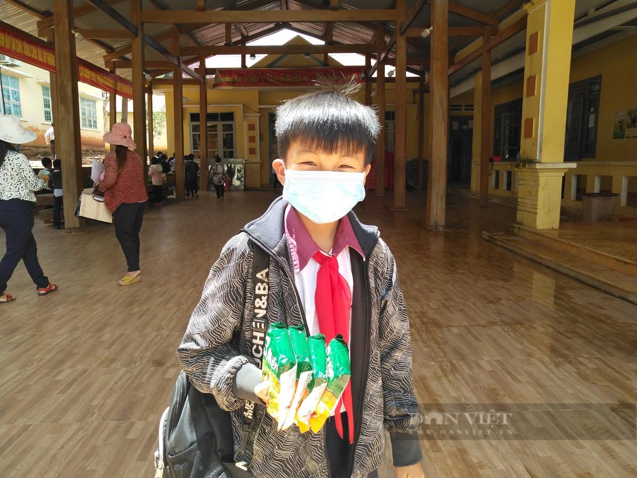 Gia Lai: Nhiều học sinh có nguy cơ bỏ học do xã hoàn thành tiêu chí Nông thôn mới - Ảnh 6.