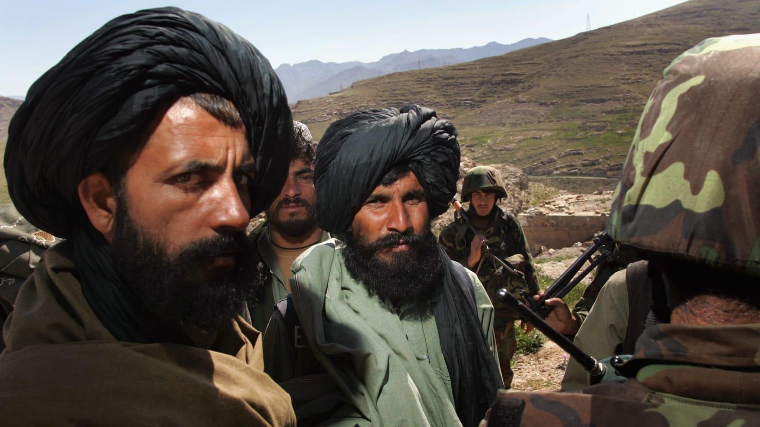 Ai đang sở hữu cốt truyện Taliban? - Ảnh 2.