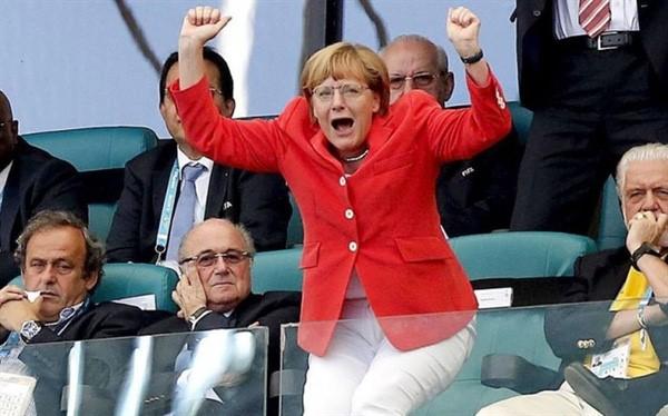 Thủ tướng Đức Angela Merkel và tình yêu tuyệt vời dành cho bóng đá - Ảnh 3.