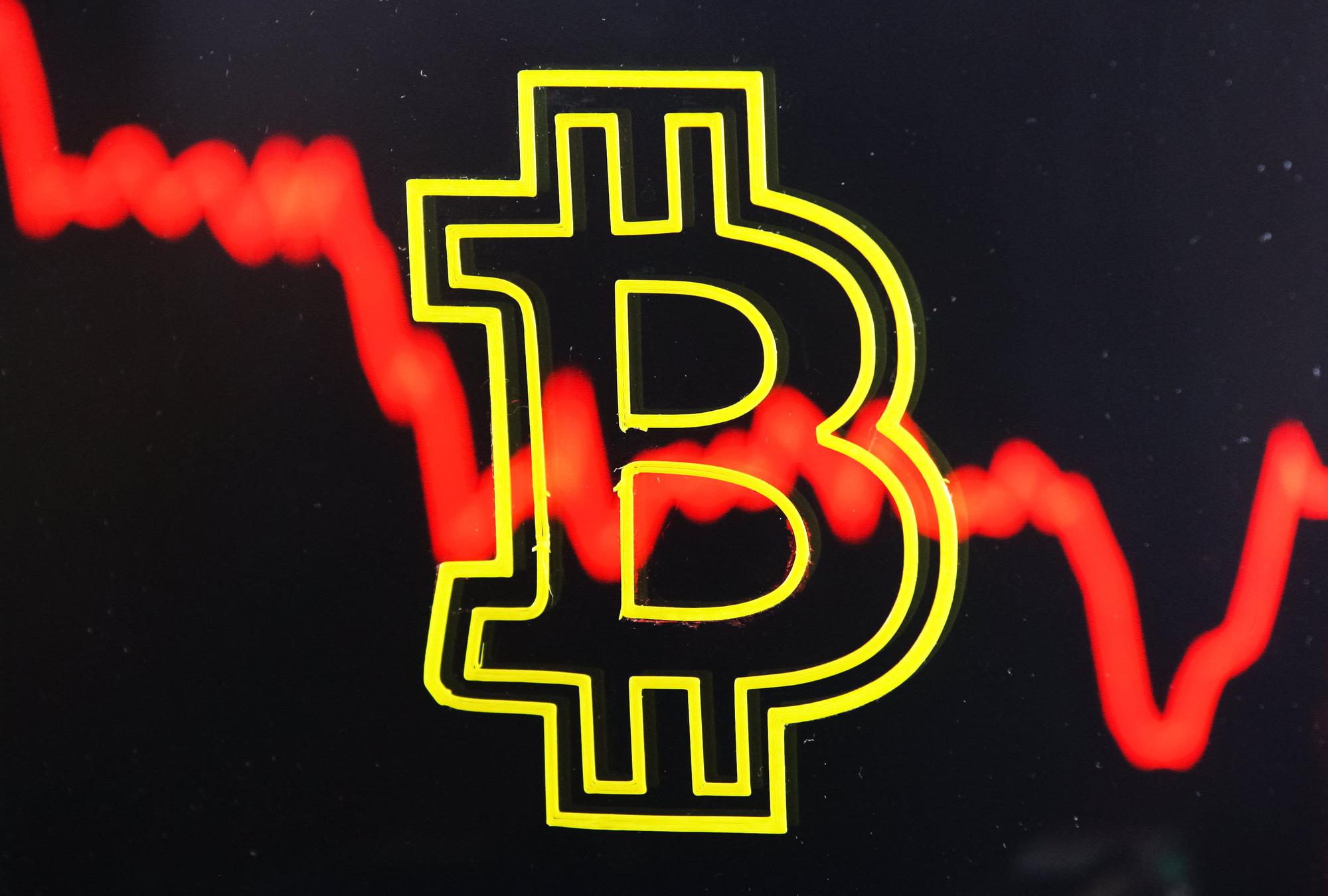 """Thị trường đào tiền mã hóa tại Trung Quốc tiếp tục bị """"bóp chặt"""", khi chính quyền tiếp tục thực thi các chiến dịch truy quét các cơ sở đào tiền mã hóa, đặc biệt là bitcoin có ở tại quốc gia này. Ảnh: @AFP."""