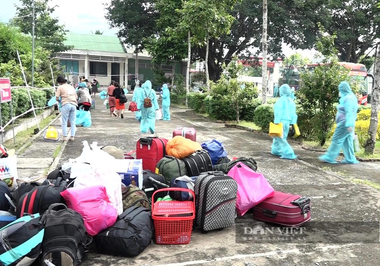 An Giang đón 233 phụ nữ mang thai và người già từ các địa phương có dịch trở về  - Ảnh 3.
