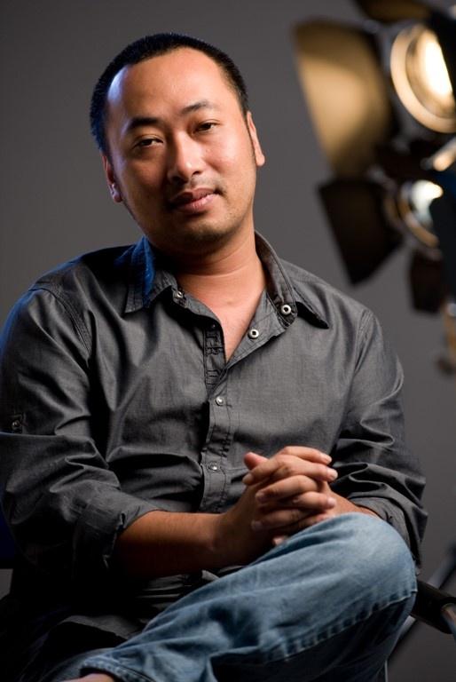 """Đạo diễn Nguyễn Quang Dũng: """"Tôi lặng đi khi thấy những chiếc avatar lần lượt chuyển màu đen"""" - Ảnh 1."""