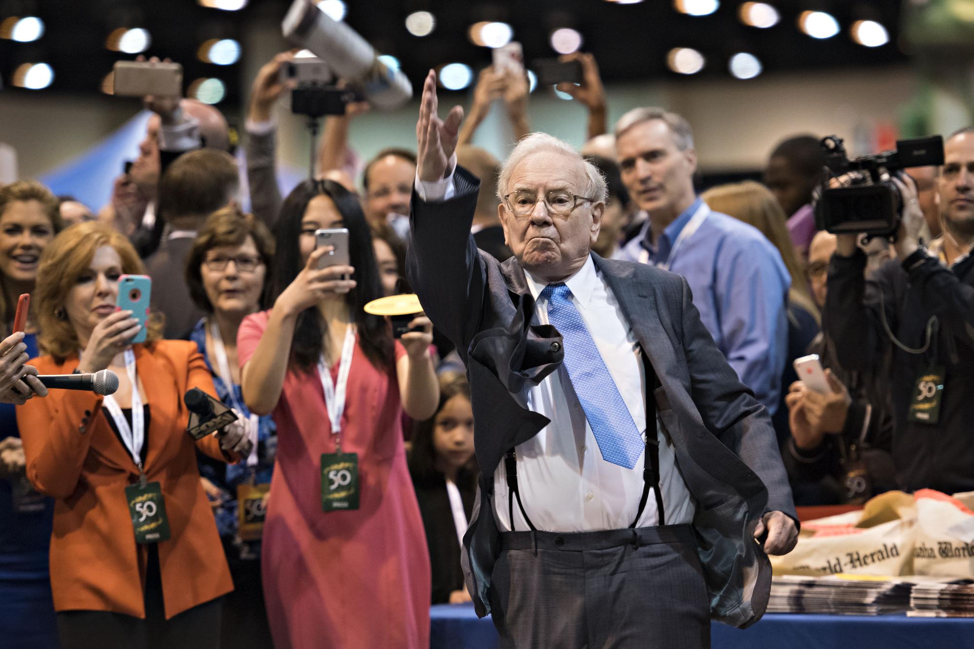 Warren Buffett nổi lên là một trong những nhà đầu tư thành công nhất mọi thời đại. Ảnh: @AFP.