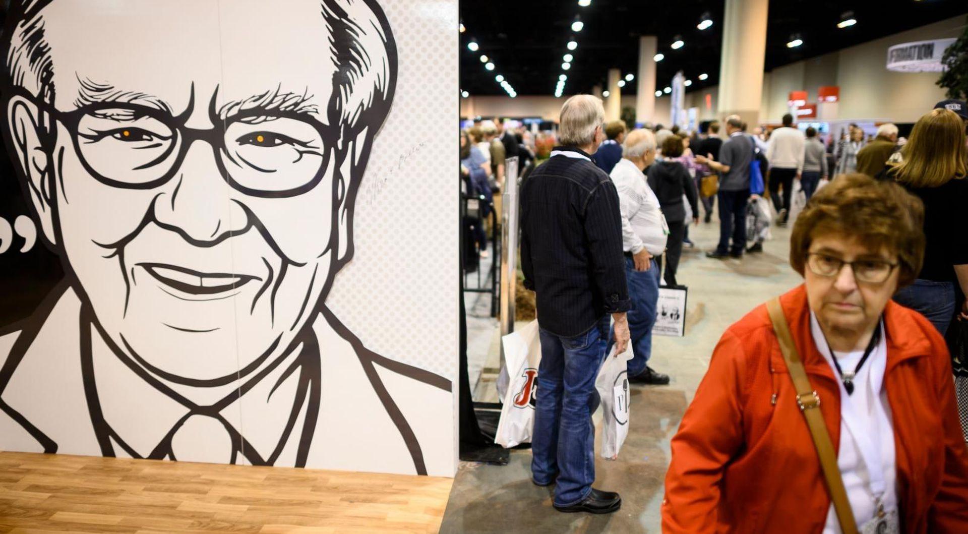 Warren Buffett chỉ nhận một mức lương mà con số này chỉ bằng một phần nhỏ so với lương của các CEO doanh nghiệp lớn tại Mỹ...Ảnh: @AFP.