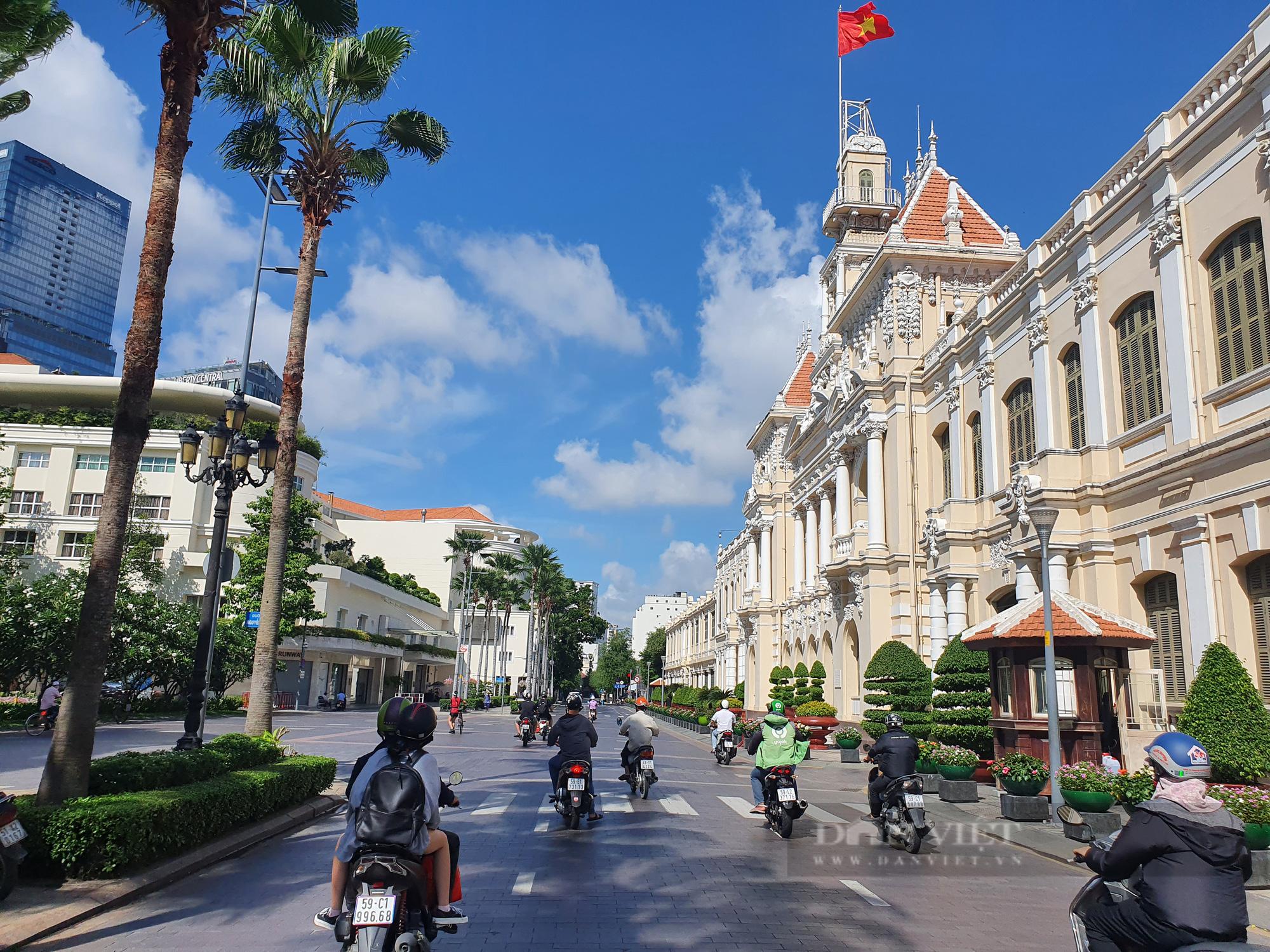 """Kinh tế trưởng ADB: Việt Nam đang bảo vệ """"túi tiền"""" ngân sách hơn là bảo toàn động lực tăng trưởng - Ảnh 5."""