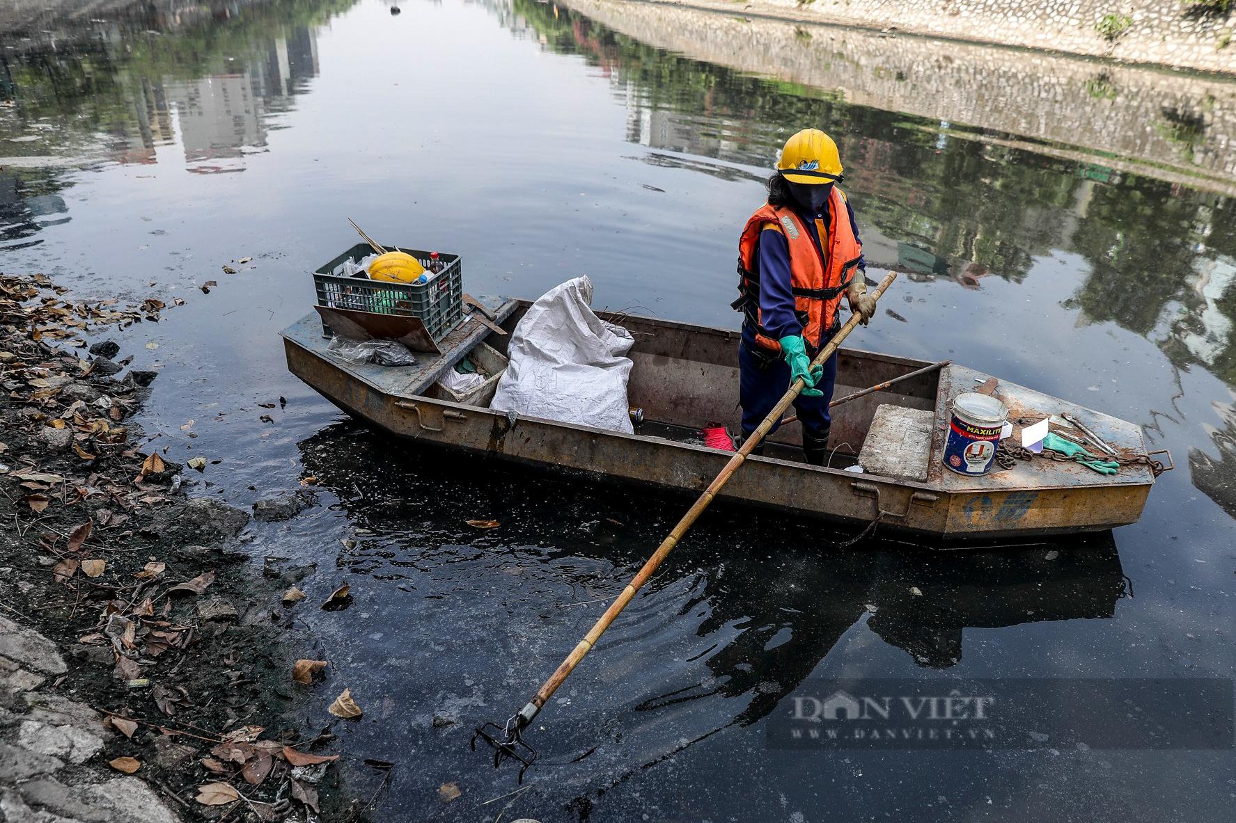 Vẻ khác lạ của con sông ô nhiễm nhất Hà Nội sau khi đổi màu nước - Ảnh 2.