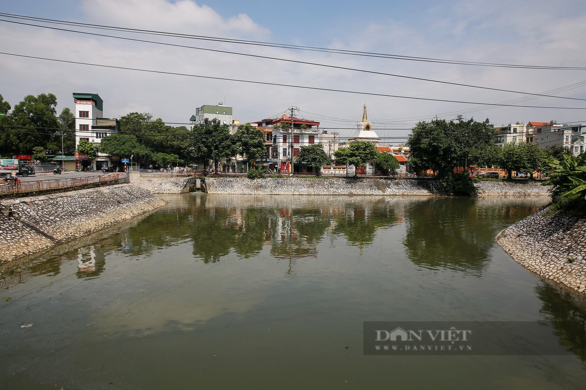 Vẻ đẹp khác lạ của con sông ô nhiễm nhất Hà Nội sau khi đổi màu nước - Ảnh 6.