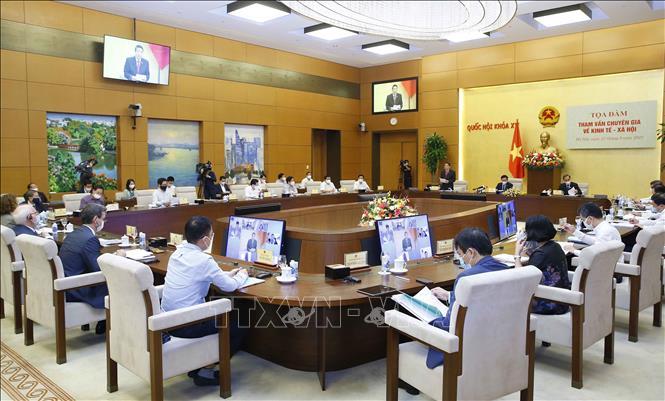 Chủ tịch Quốc hội chủ trì Tọa đàm tham vấn chuyên gia về kinh tế - xã hội - Ảnh 4.