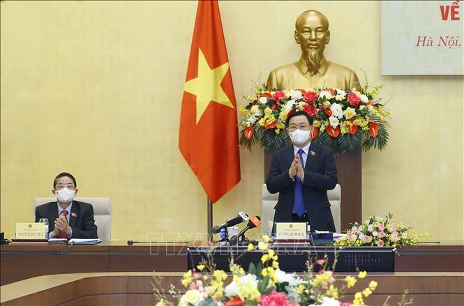 Chủ tịch Quốc hội chủ trì Tọa đàm tham vấn chuyên gia về kinh tế - xã hội - Ảnh 1.