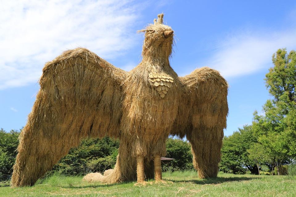 Ảnh: Nông dân Nhật Bản tạo ra các công trình nghệ thuật từ rơm rạ - Ảnh 10.