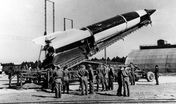 """Các nhà khảo cổ tìm thấy """"siêu vũ khí"""" của Hitler được chôn cách đây 77 năm - Ảnh 2."""