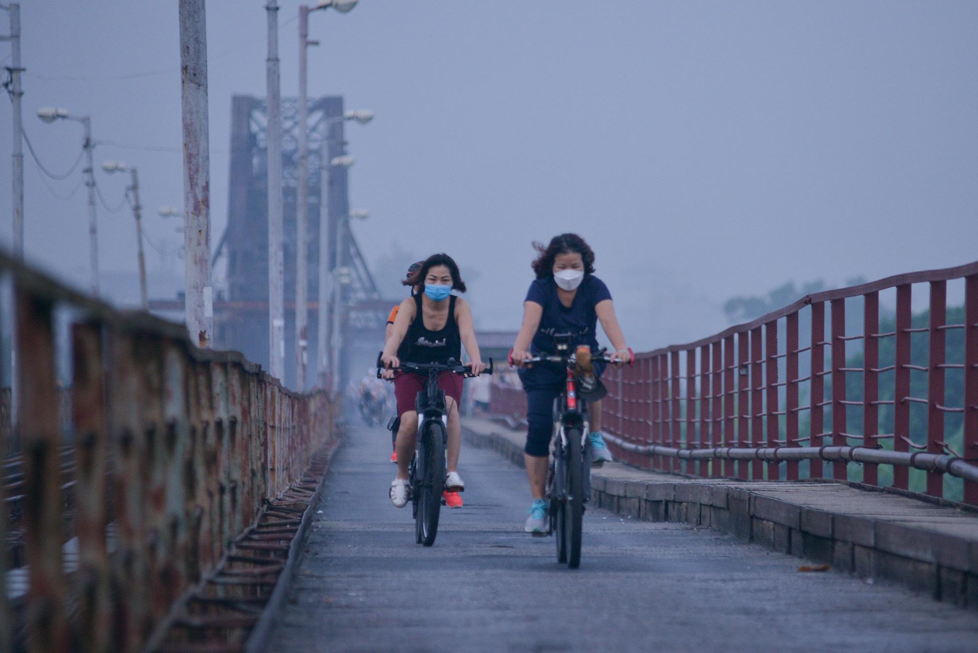 Bình minh trên những cây cầu sau khi Hà Nội nới lỏng giãn cách xã hội - Ảnh 10.