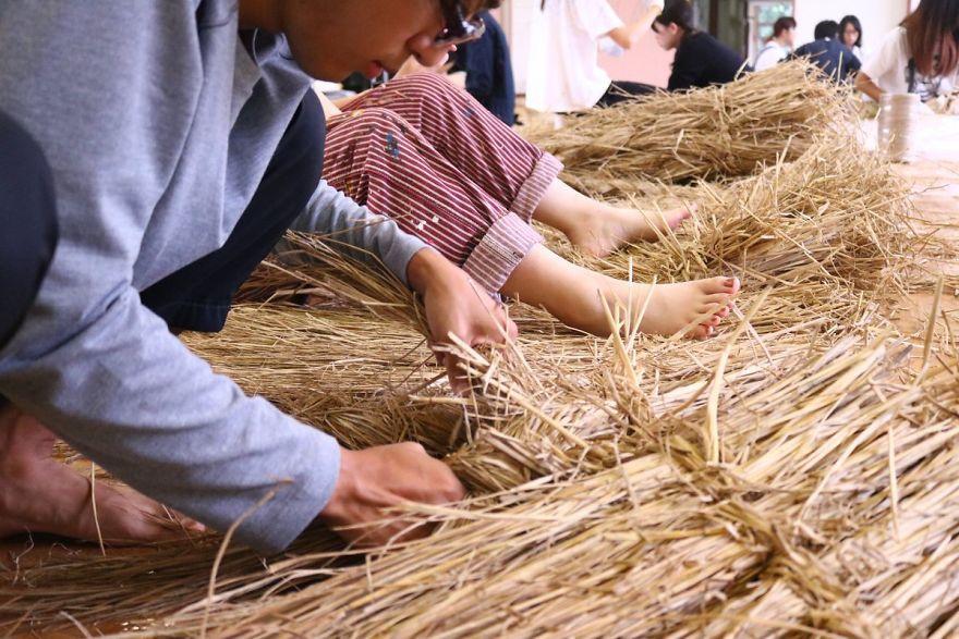 Ảnh: Nông dân Nhật Bản tạo ra các công trình nghệ thuật từ rơm rạ - Ảnh 8.
