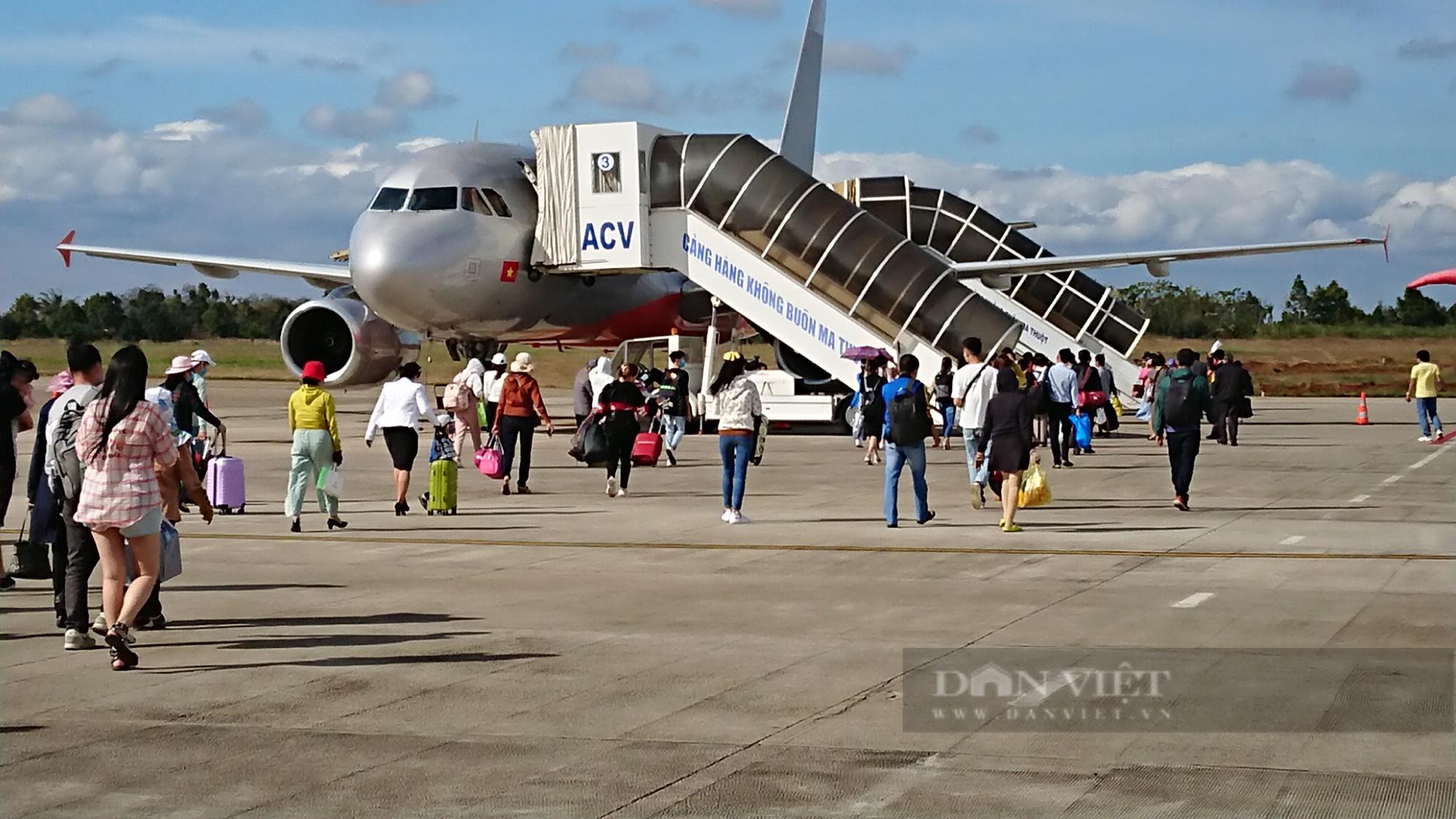 Phó Thống đốc Đào Minh Tú: Sớm trình Chính phủ gói tín dụng ưu đãi cho các hãng hàng không - Ảnh 2.