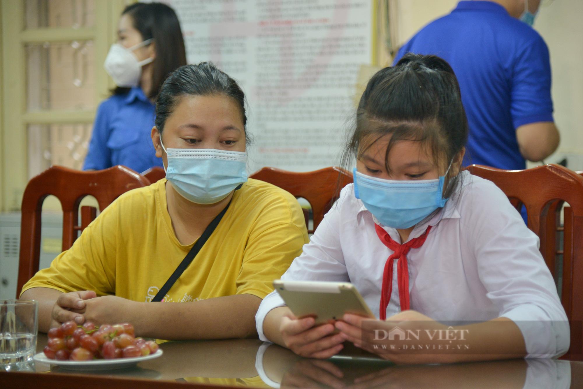 Hà Nội: Tặng máy tính cho trẻ em nghèo học online - Ảnh 2.