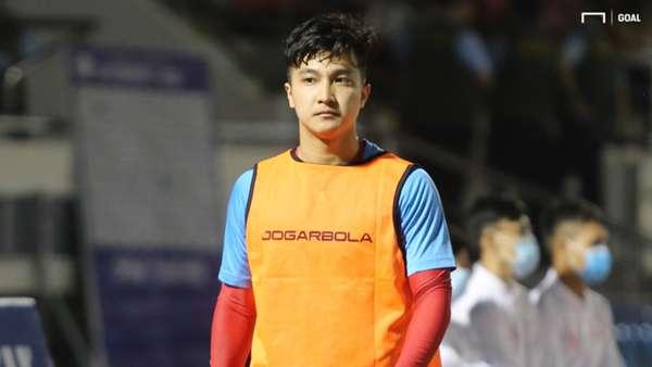 V.League 2021 bị hủy, cầu thủ Việt lao đao: Người thu gom phế liệu, kẻ làm công nhân - Ảnh 2.