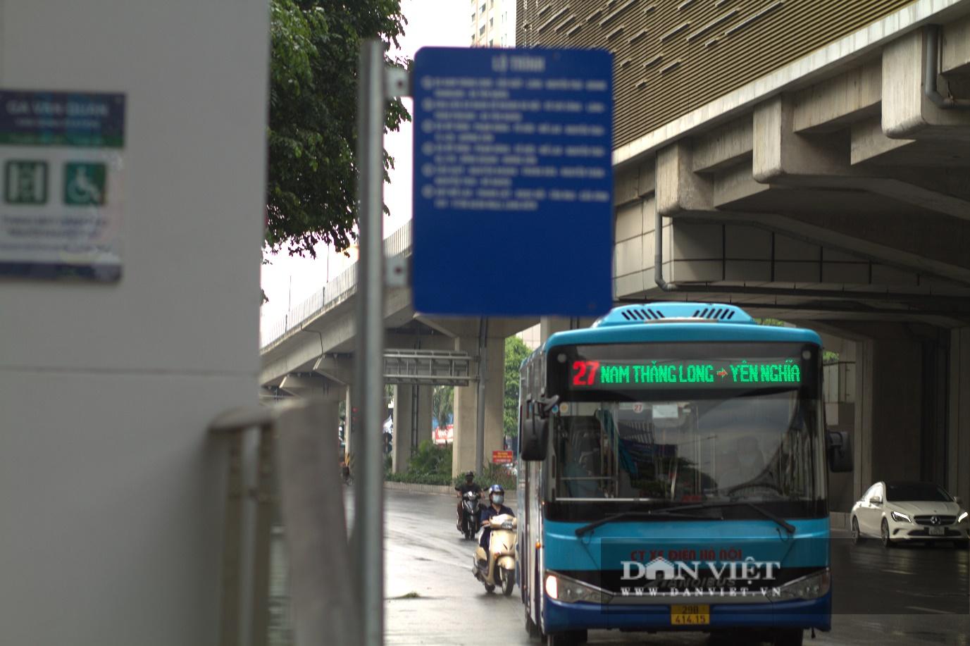Hà Nội: Xe buýt, xe khách, taxi sẵn sàng hoạt động trở lại - Ảnh 1.