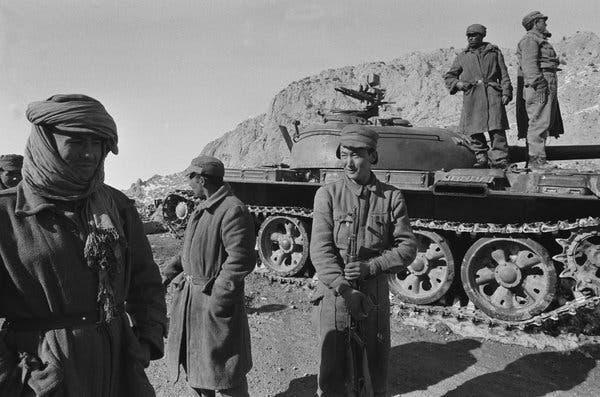 Ai Cập đã đâm sau lưng đồng minh Liên Xô như thế nào? - Ảnh 14.