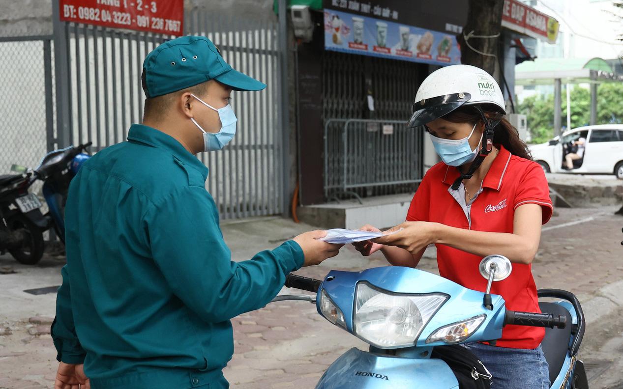 Thay đổi thủ tục cấp giấy đi đường: Nhiều phường, xã đang lúng túng