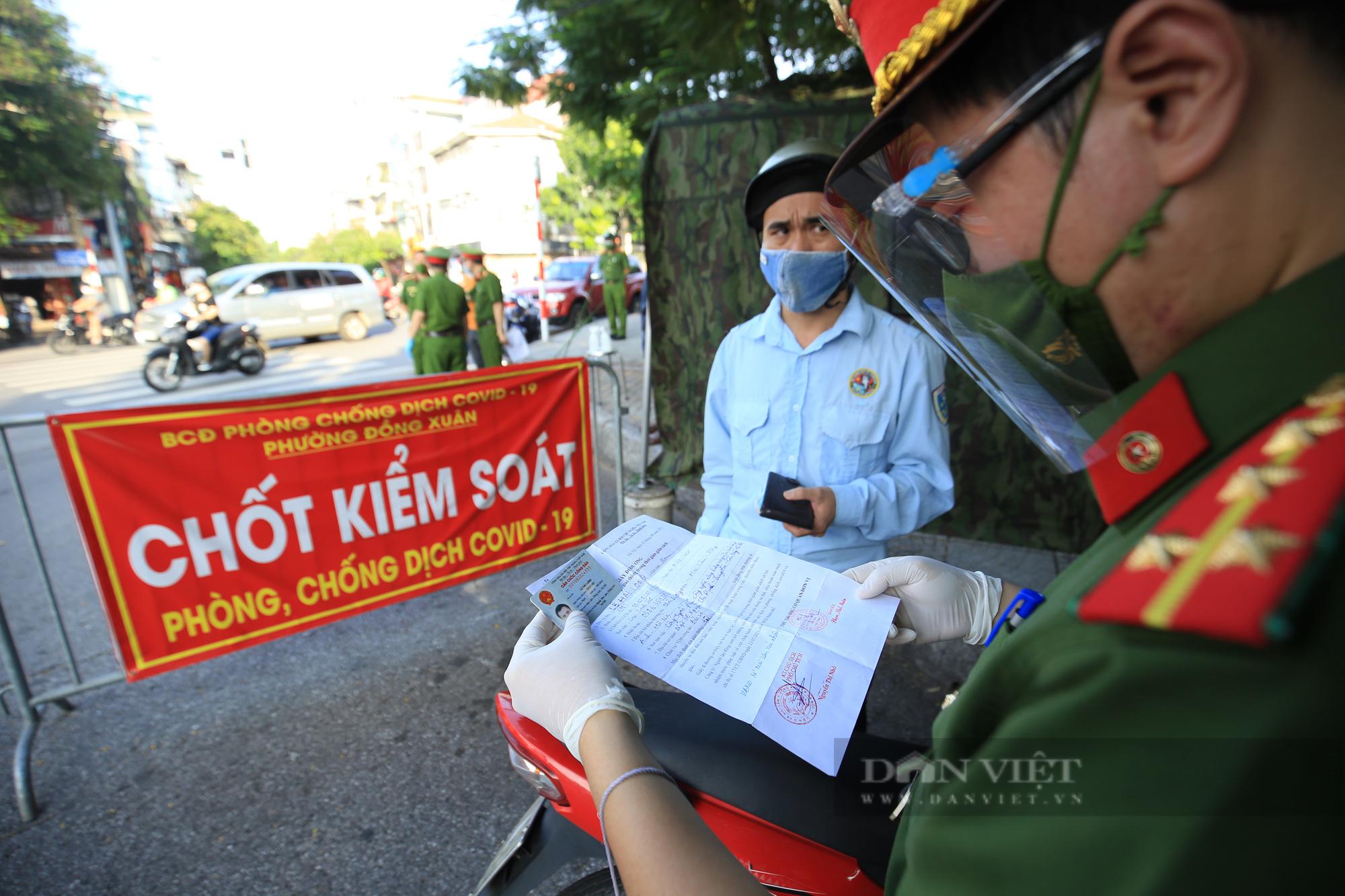 Hà Nội thông báo quy trình cấp giấy đi đường: Nhiều đơn vị được tự cấp và chịu trách nhiệm - Ảnh 1.
