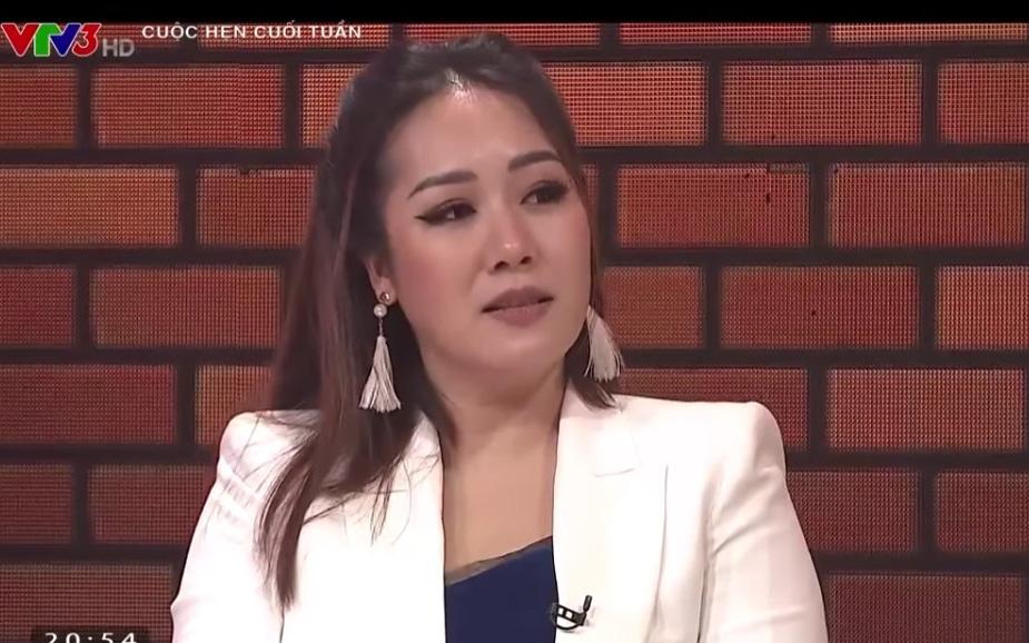 """Hoa hậu Ngô Phương Lan: """"Con gái tôi học online không hiệu quả"""""""