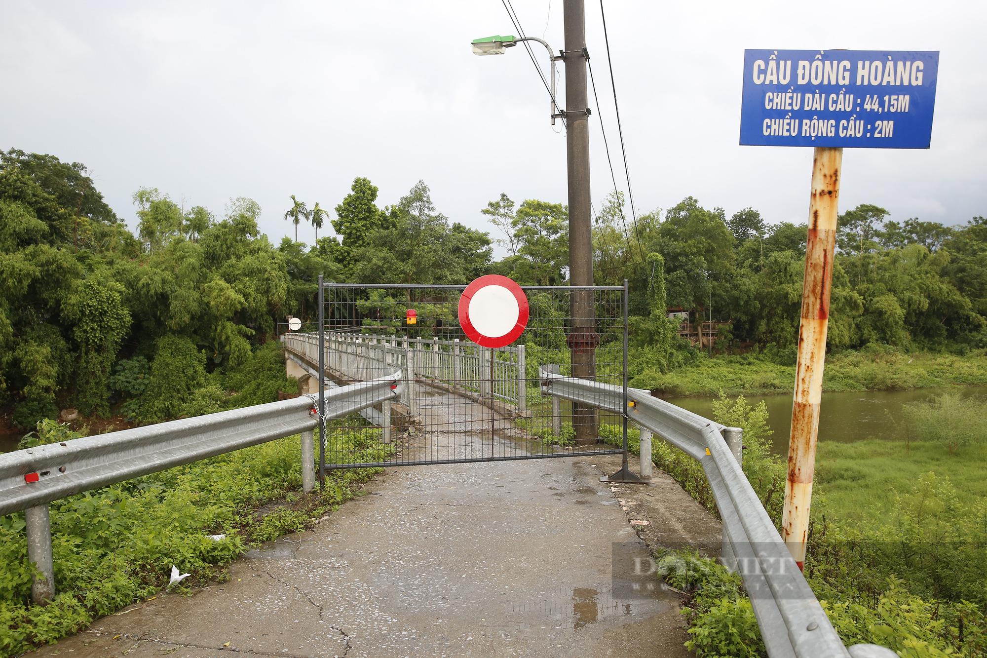 """Loạt tường rào biến mỗi địa phương trở thành một """"pháo đài"""" tại Hà Nội - Ảnh 6."""