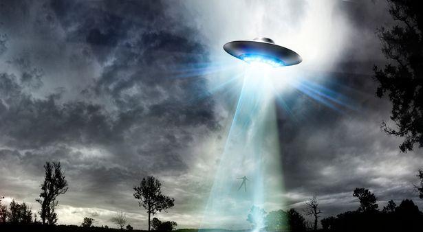 Mảnh vỡ UFO được phát hiện từ 70 năm trước tiết lộ điều bất ngờ  - Ảnh 1.