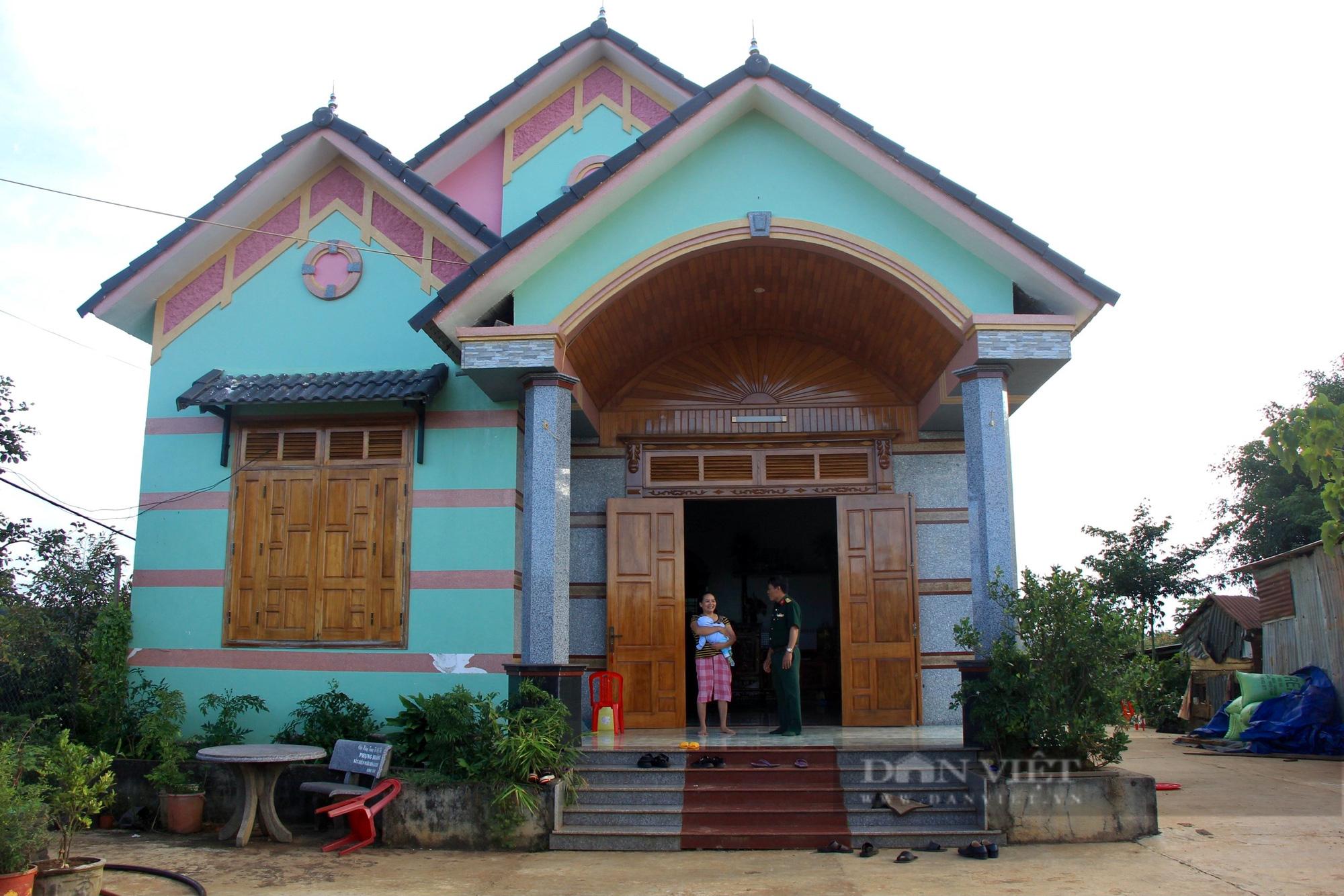 Người dân Đắk Nông nâng cao đời sống nhờ sự giúp sức của bộ đội - Ảnh 3.