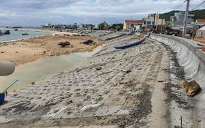 """Bình Định: Hình ảnh bất ngờ... ở nơi kè chắn sóng ven biển từng bị bão đánh """"nát vụn"""""""