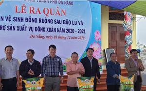 Hội Nông dân TP Đà Nẵng làm vệ sinh đồng ruộng và hỗ trợ phân bón cho nông dân sản xuất sau bão lũ