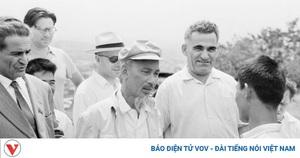 Loạt ảnh quý hiếm về Chủ tịch Hồ Chí Minh thăm Armenia